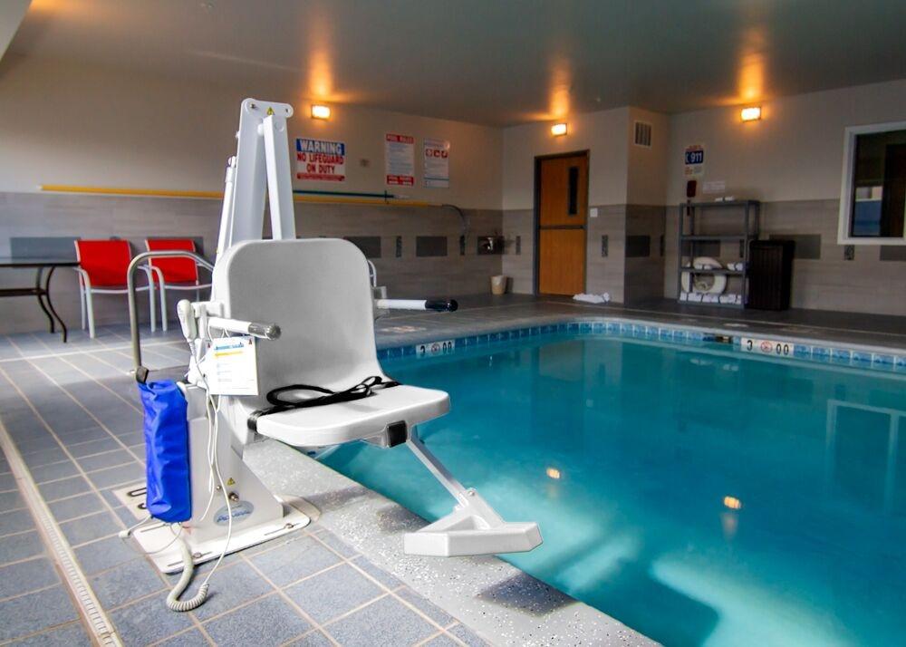 Aqua Creek Admiral - ADA Compliant 450lb Pool Lift - Gray/Tan Powder Coat, Gray/Tan Seat